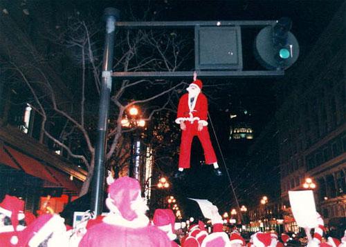 santa_hanging